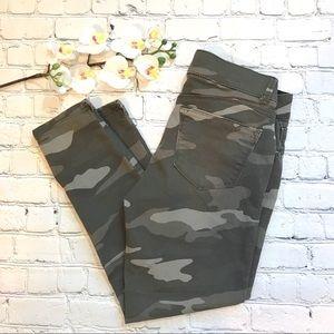 CCO - Wit & Wisdom - Camouflage Ankle Skinny Jeans